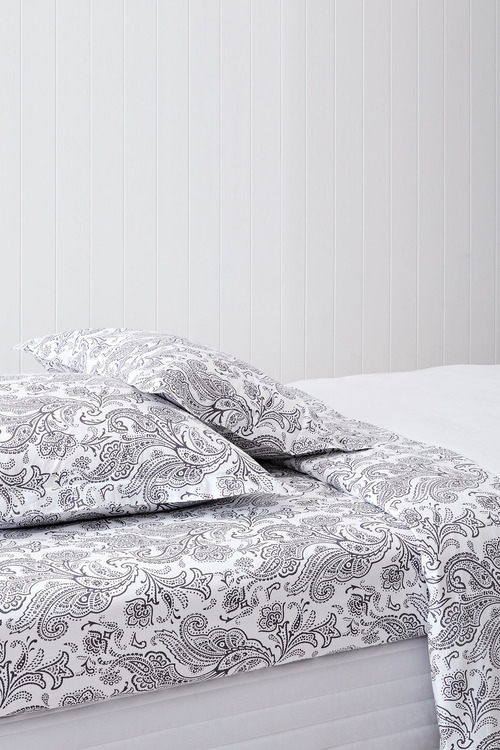 250 Thread Count Cotton Flanged Printed Pillowcase Pair