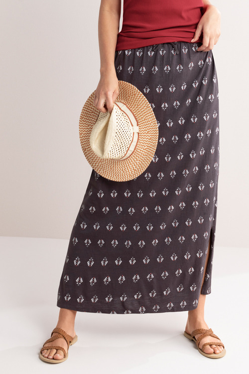 Capture Pull On Knit Skirt