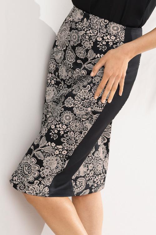 a4f64f49dd Capture Panelled Scuba Pencil Skirt Online | Shop EziBuy