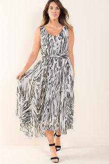Plus Size - Sara Flowy Dress