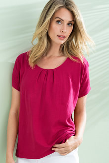 Capture Knot Neck Tee