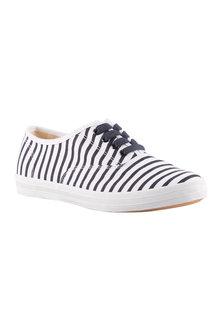 Wide Fit Buckie Sneaker - 214278