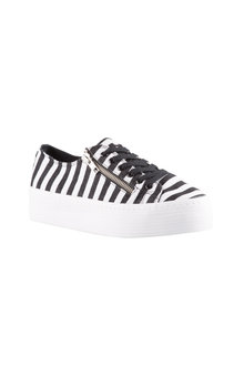Plus Size - Wide Fit Cambridge Sneaker