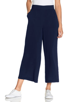 Capture Wide Leg Textured Pull On Pant