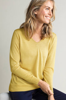 Capture Merino V Neck Sweater - 219628
