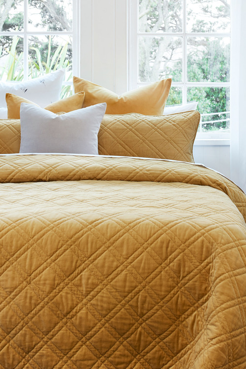 Windsor Quilted Velvet Bedcover