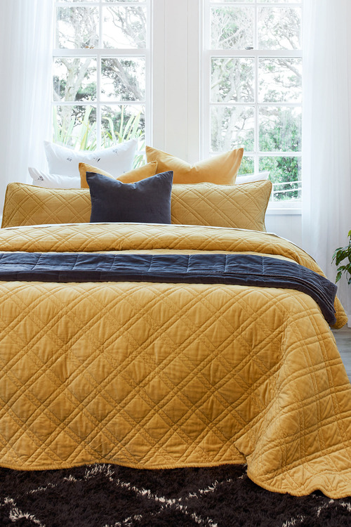 Windsor Quilted Velvet Throw