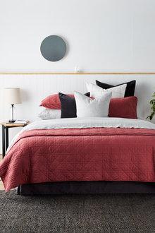 Bromley Quilt Set - 220065