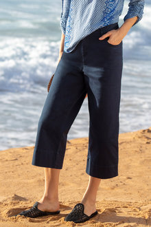 Capture Wide Leg Crop Pant