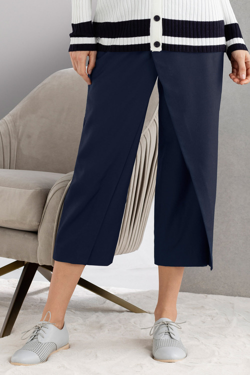Grace Hill Overlay Crop Pant