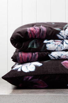 Bouquet Velvet Throw