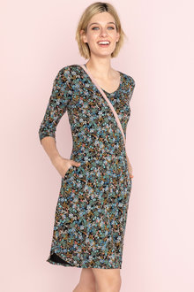 Capture V Neck 3/4 Sleeve Pocket Dress