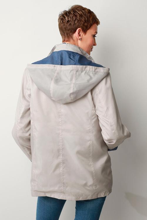 Capture European Showerproof Lightweight Jacket