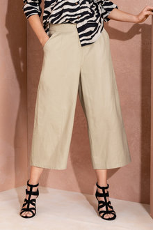 Grace Hill Wide Leg Linen Crop - 224526