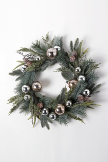 Glitz and Glamour Wreath