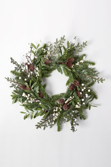 Snow Berry Wreath