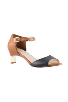 Capture L Fairland Sandal Heel