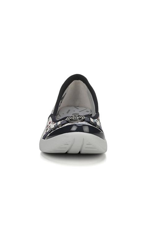 Bzees Aspire Sneaker
