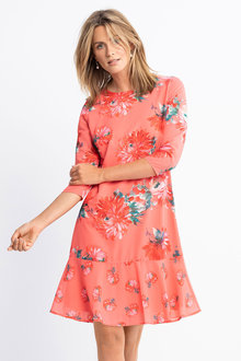 Capture Ruffle Hem 3/4 Sleeve Dress