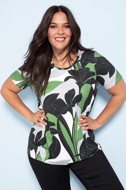 Plus Size - Sara Scoop Hem Top