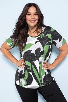 Plus Size - Sara Scoop Hem Top