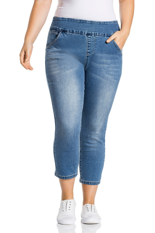 Plus Size - Sara Pull On Denim Crop