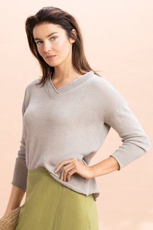 Capture V Neck Lightweight Knit - 234252