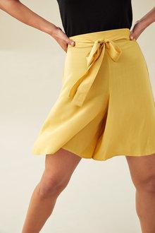 Emerge Tie Waist Shorts - 235767