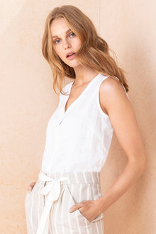 Emerge Linen Sleeveless Shirt