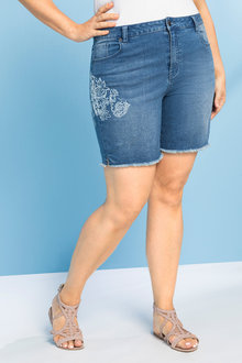 Plus Size - Sara Printed Denim Short