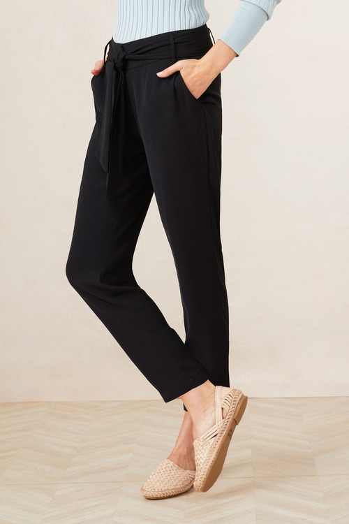 Capture Tie Waist Tapered Pants