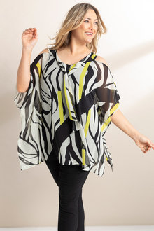 Plus Size - Sara Line Print Top - 236581