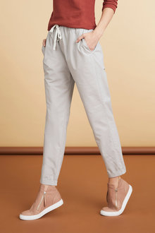 Capture Drawstring Pants