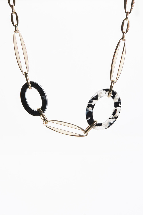 Next Resin Link Detail Short Necklace