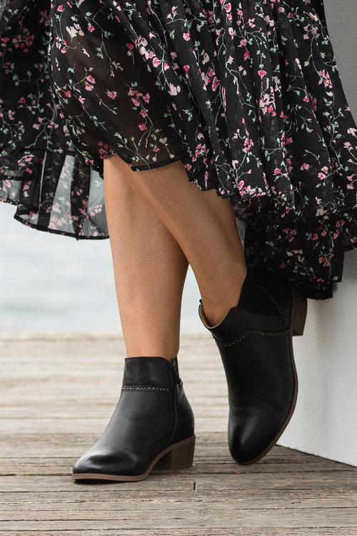Grace Hill Lilia Leather Ankle Boot