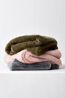 Aspen Faux Fur Throw - 243418
