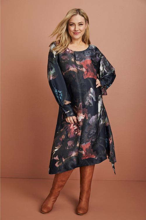 Sara Pleat Sleeve Dress
