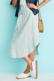 Capture Scoop Hem Pull on Skirt - 250076