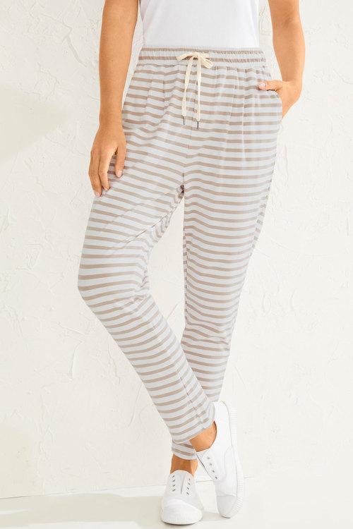 Capture Stretch Cotton Casual Pants