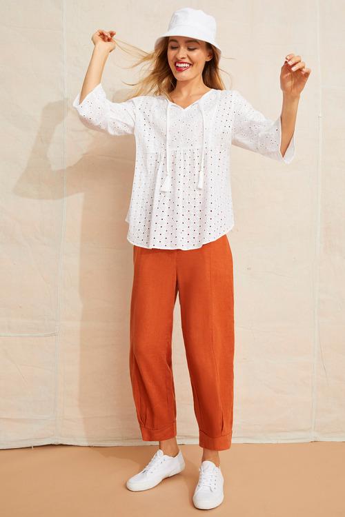 Emerge Linen Cuff Pleat Crop Pant