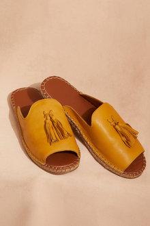Human Premium Via Sandal Flat - 251358