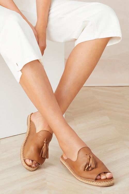 Human Premium Via Sandal Flat