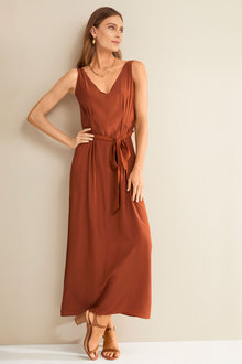 Grace Hill Pleat Detail Maxi Dress - 252236