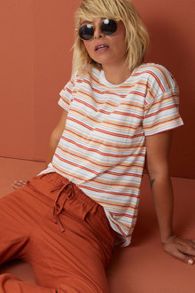 Capture Crew Neck Striped Tee - 252337