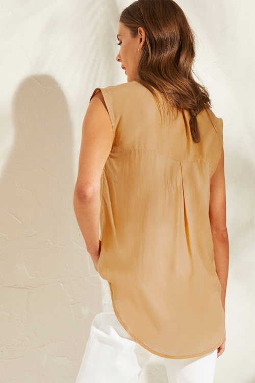 Capture V Neck Pleat Front Top