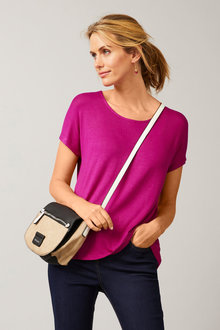 Capture Scoop Neck Tee - 252497