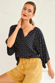 Capture Kimono Sleeve Top - 252548