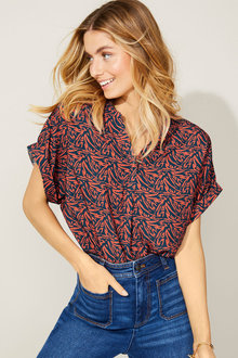 Capture Half Placket Popover Top - 252773