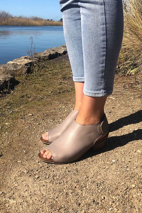 Bueno Cartier Peep Toe Heel