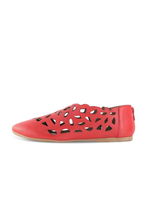 Bueno Cassie Flat Closed Shoe
